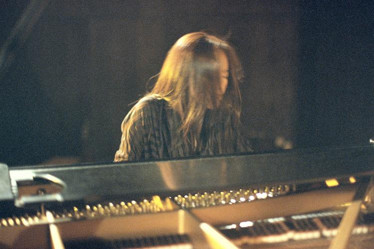 唱片專輯封面,陳若玗,爵士鋼琴,三重奏,Incomplete Soul,殘缺的靈魂