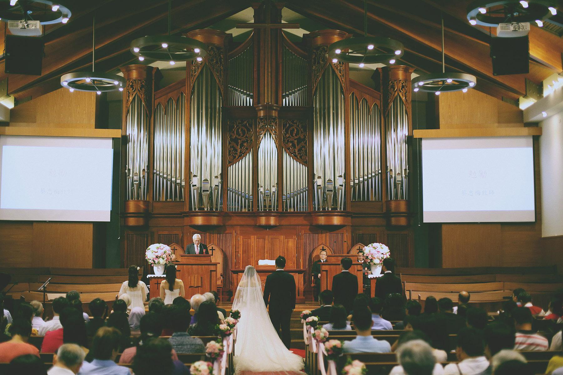 底片婚攝,婚禮攝影,電影風格,台北婚攝推薦,婚攝,婚禮紀錄,底片風格,基督徒,大稻埕基督長老教會,進場