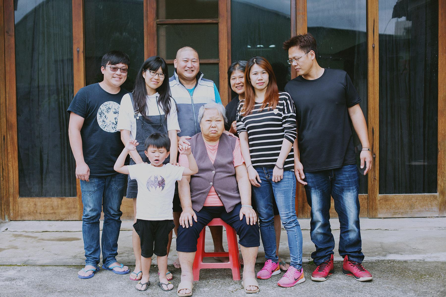 家庭寫真,兒童寫真,親子寫真,兒童攝影,全家福照,桃園,台北,新竹,推薦,自然風格,生活風格,居家風格