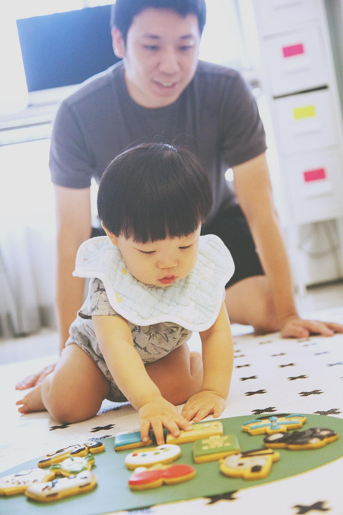 抓周,家庭攝影,家庭寫真,兒童寫真,親子寫真,兒童攝影,全家福照,桃園,台北,新竹,推薦,自然風格,生活風格,居家風格,溫度,情感