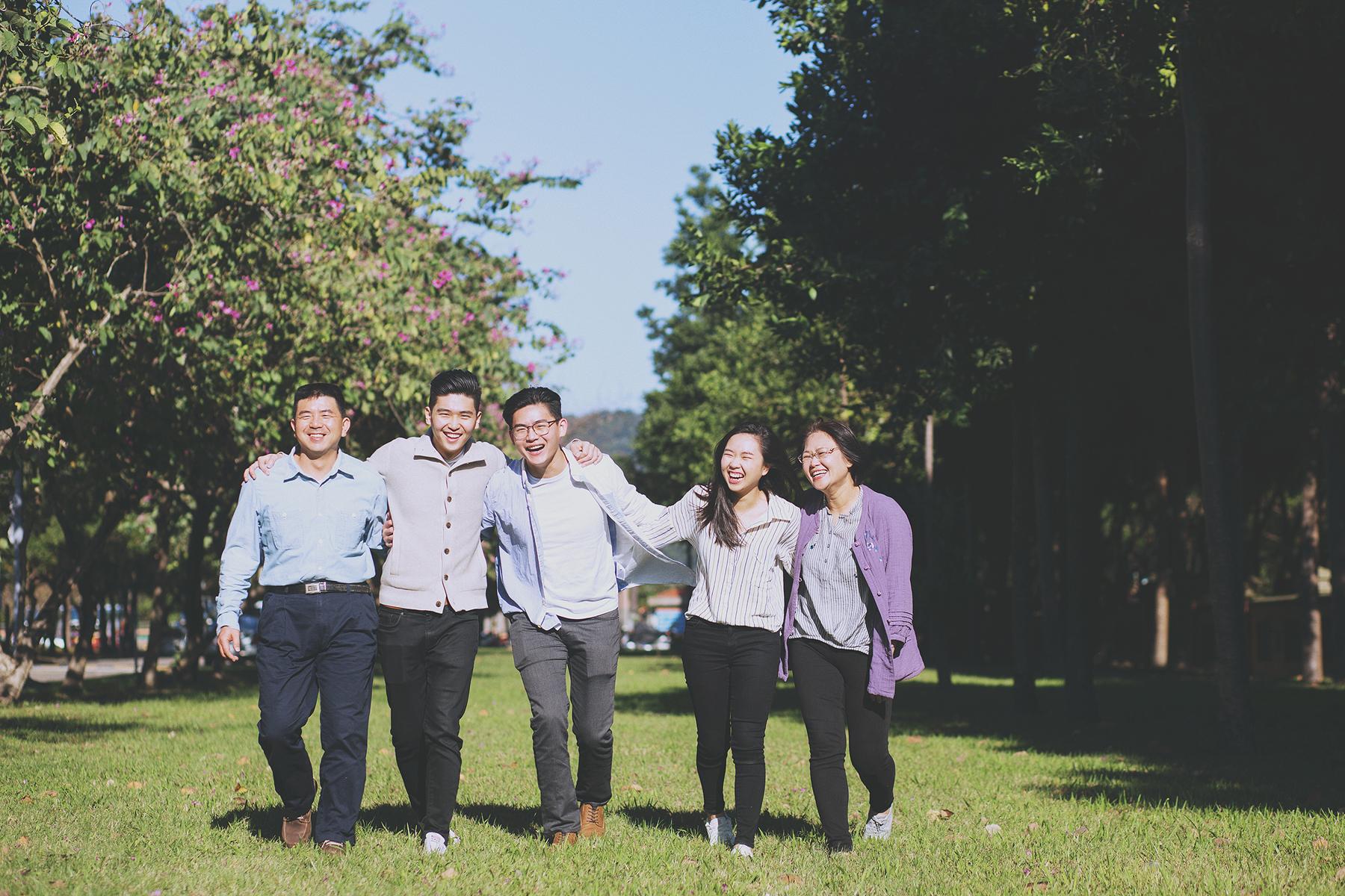 家庭攝影,家庭寫真,全家福照,桃園,台北,新竹,推薦,自然風格,生活風格,居家風格,溫度,情感,台北大學